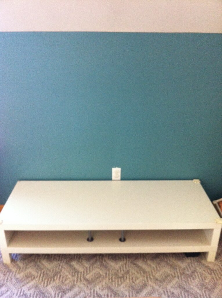 Ikea tv stand lack ikea tv stand in white som small for Short tv stand ikea