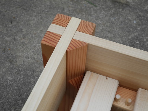 Inside Corner Poplar Frame Douglas Fir Posts Amp Slats