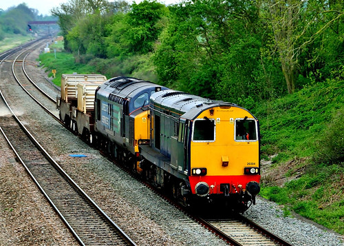 DRS 20304 & 37606 on Nukes heading North at Haresfield | by KPAR Media UK