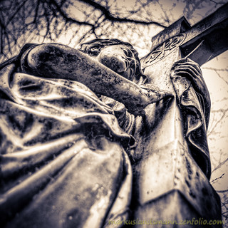 The angel and the crucifix | by .Markus Landsmann