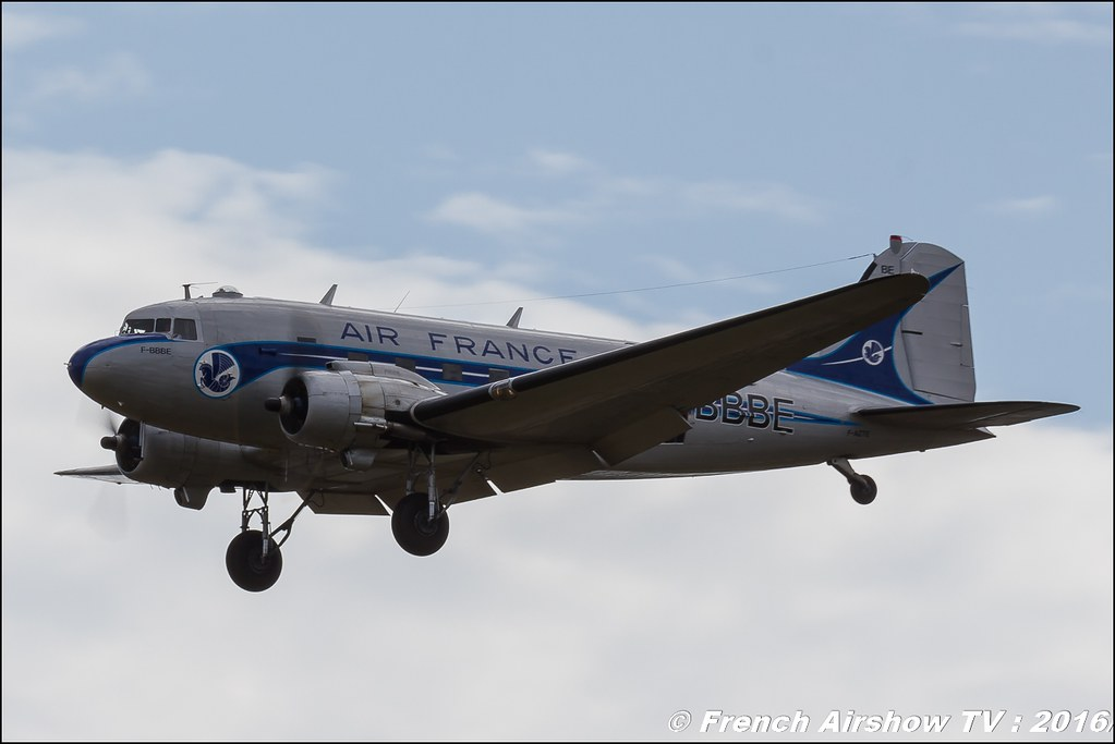 DC-3 Douglas , air france , f-azte , para ,22 ème meeting aérien international de Roanne , Meeting Aerien Roanne 2016, Meeting Aerien Roanne , ICAR Manifestations , meeting aerien roanne 2016 , Meeting Aerien 2016 , Canon Reflex , EOS System