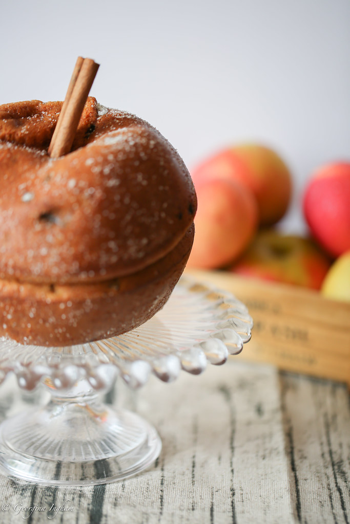 Georgina Ingham | Culinary Travels - Photograph Autumnal Spiced Apple Cake