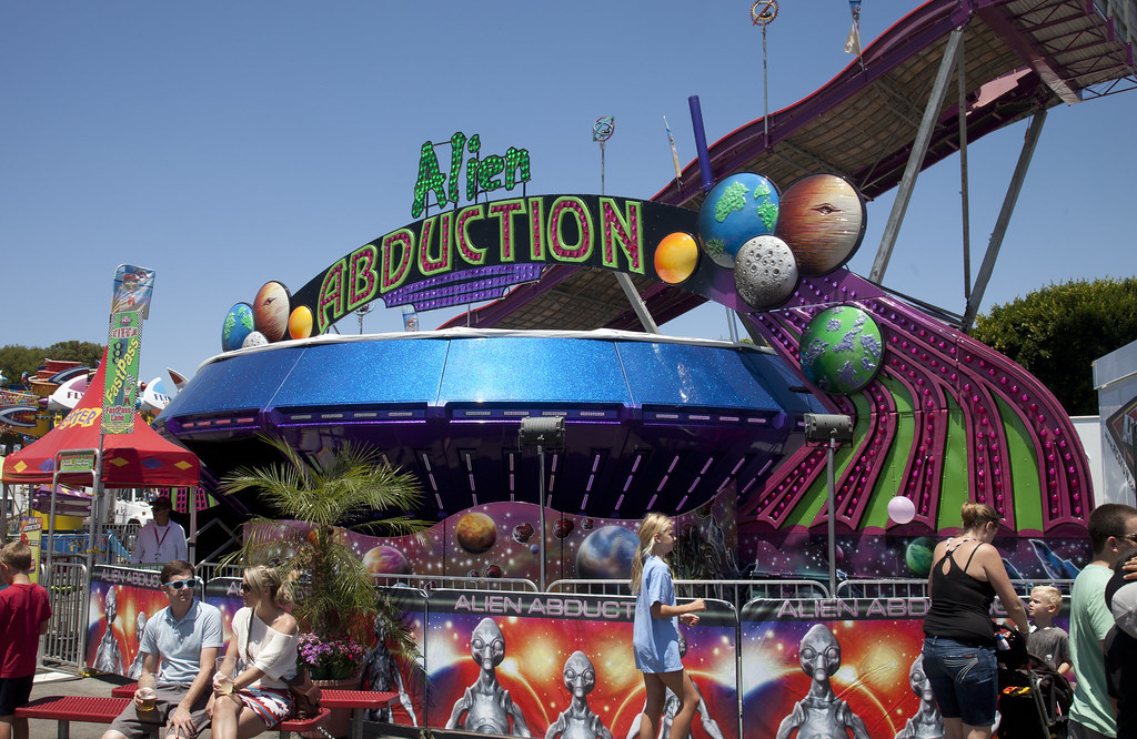 alien abduction ride - photo #8