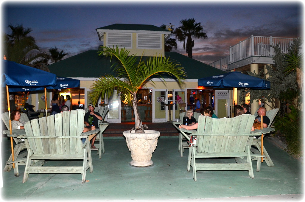 R Bar St Pete Beach