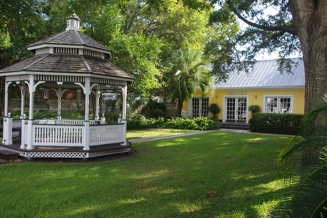 Coombs Inn Bed And Breakfast Th Street Apalachicola Fl