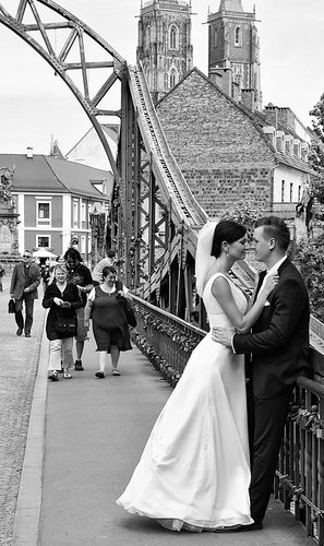Polish Newlyweds On The Streets | by Grundy