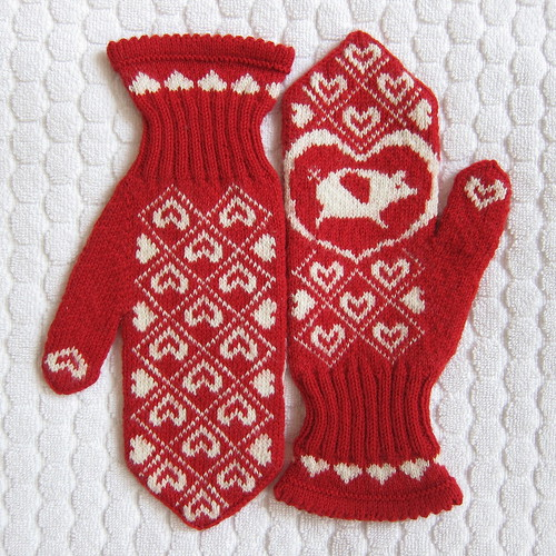 Flying Pig Mittens | by katbaro