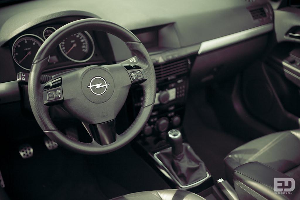 Opel Astra H Cabrio Interior | Eurodubs Automotive Apparel | Flickr