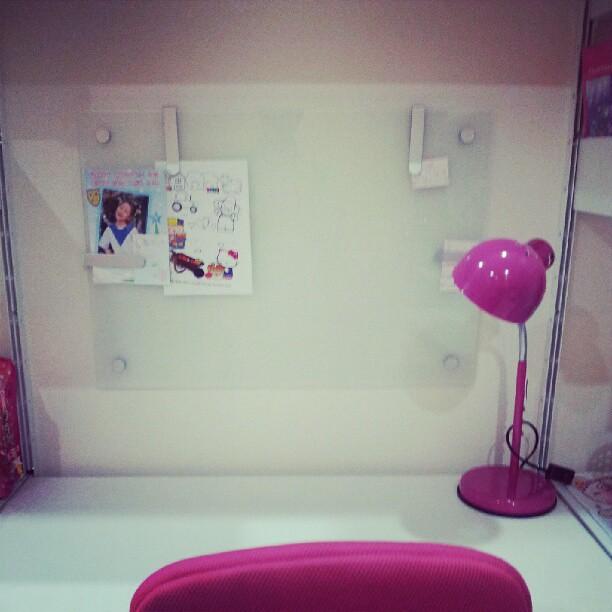 ikea kludd glass board yell suwanyangyaun flickr. Black Bedroom Furniture Sets. Home Design Ideas