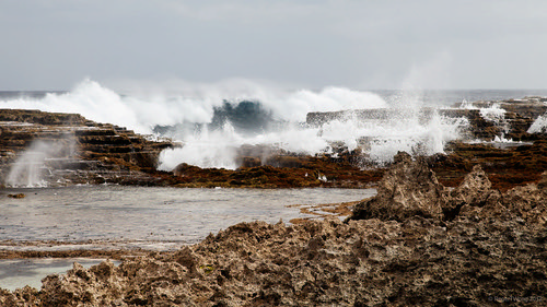20120910-13-Waves hitting reef at Keleti Beach | by Roger T Wong