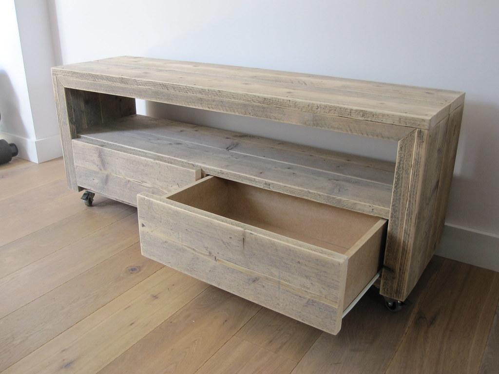 tv meubel 39 vittali 39 op wielen steigerhout te koop bij
