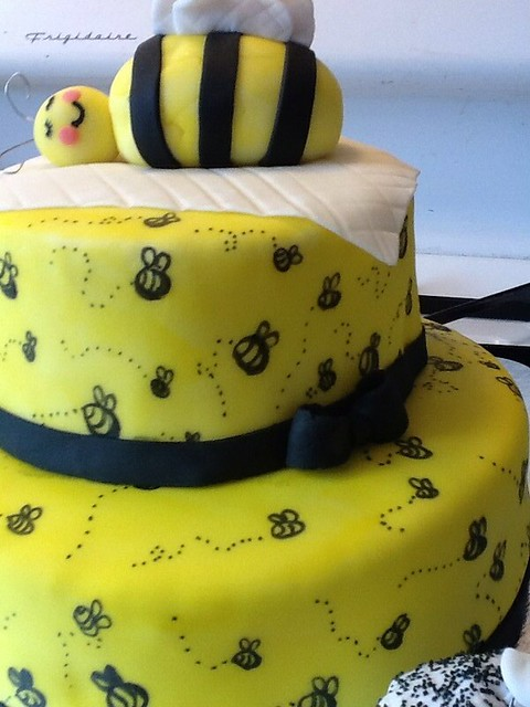 bumble bee baby shower cake explore chrisettesyummytreats
