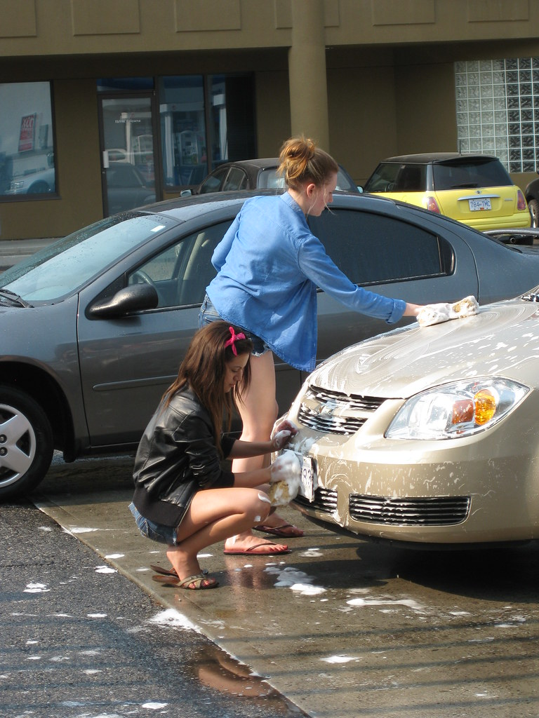 How To Flip Cars >> Flip flops and jackets | The young women of the Theta Phi so… | Flickr