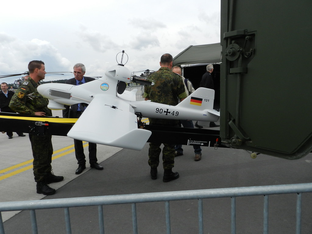 90+49 Luna X2000 UAV - German ...