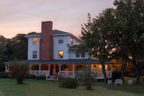 Manteo Bed And Breakfast The Loft And Bagel