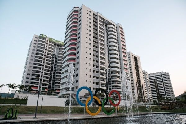 Preservativos taparon el drenaje de la Villa Olímpica