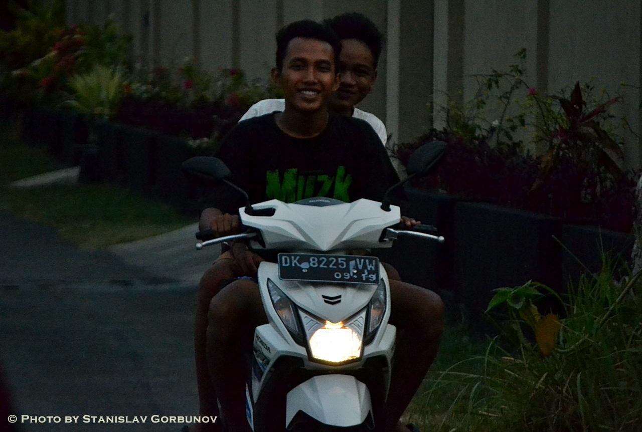 mopedi10