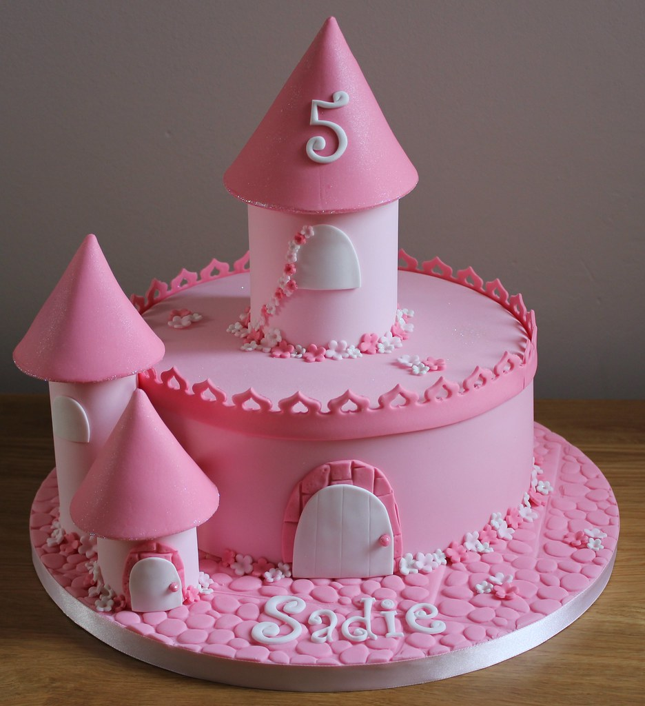 One Tier Castle Cake Fays Cakes Flickr
