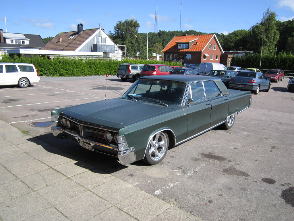 Chrysler New Yorker Made 1967 Sixth Generation First