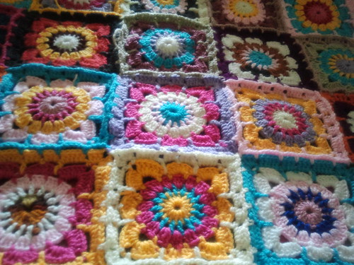 Colcha multicolor manta a crochet afgana mimi bulacio - Mantas de crochet paso a paso ...