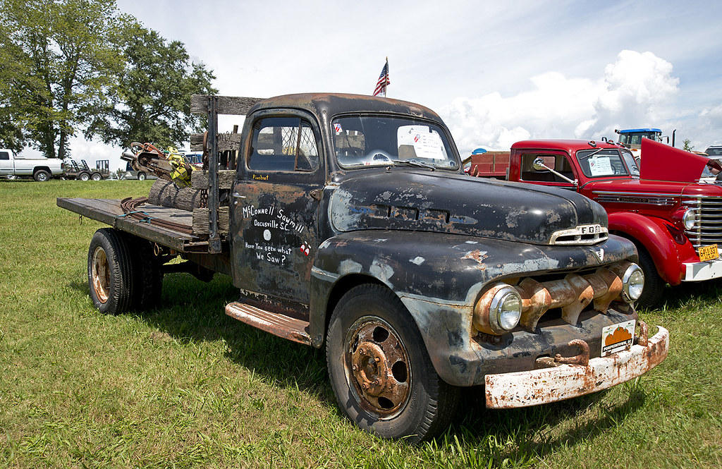 1952 Ford F5 Mcconnell Sawmill A Display By The Local