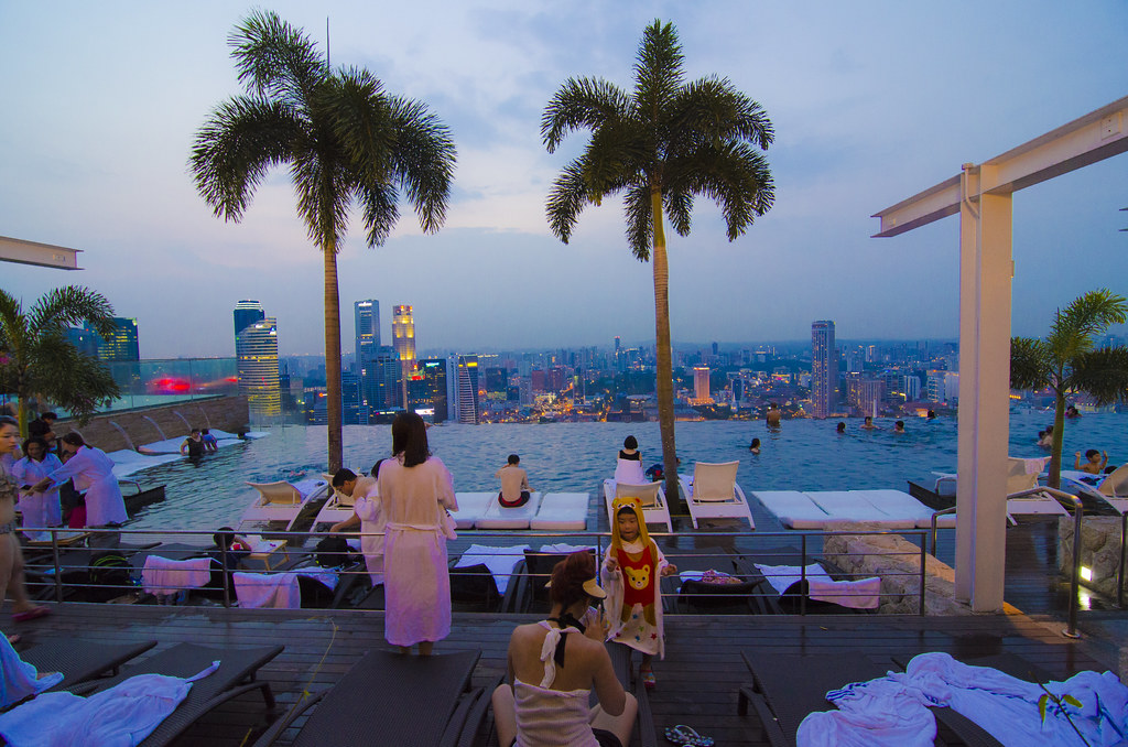 Singapore Marina Bay Sands Infinity Pool Taken From Fr Flickr