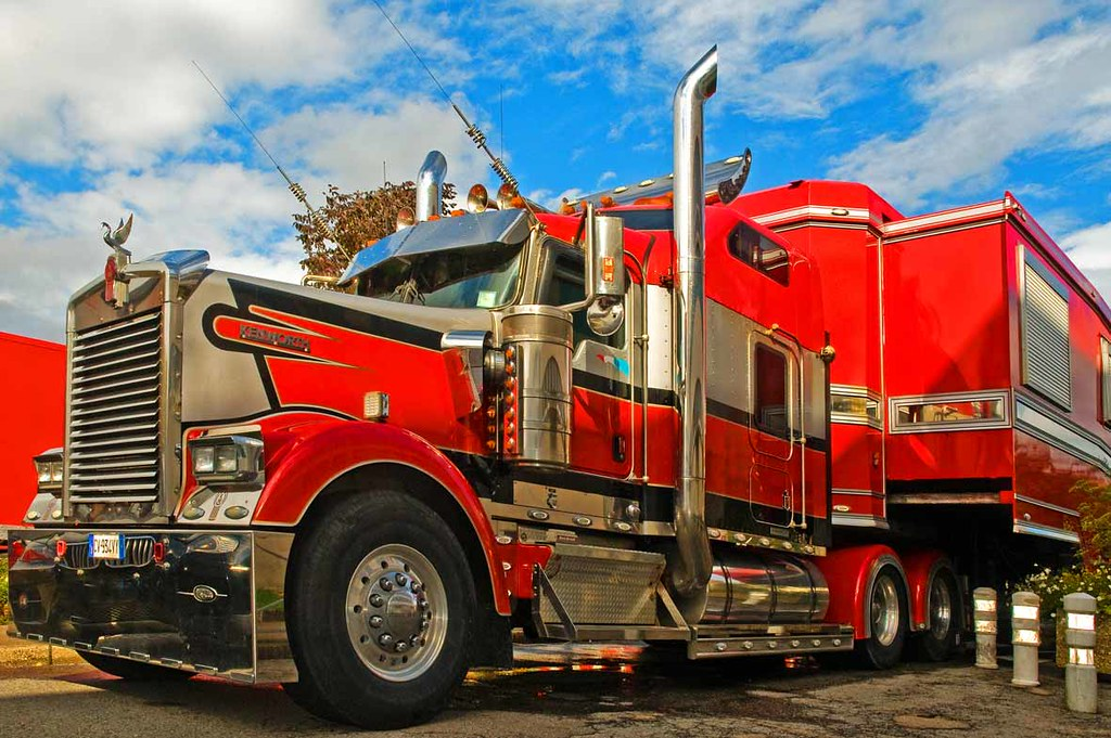 Camion am ricain du cirque maximum daniel bracchetti for Camion americain interieur