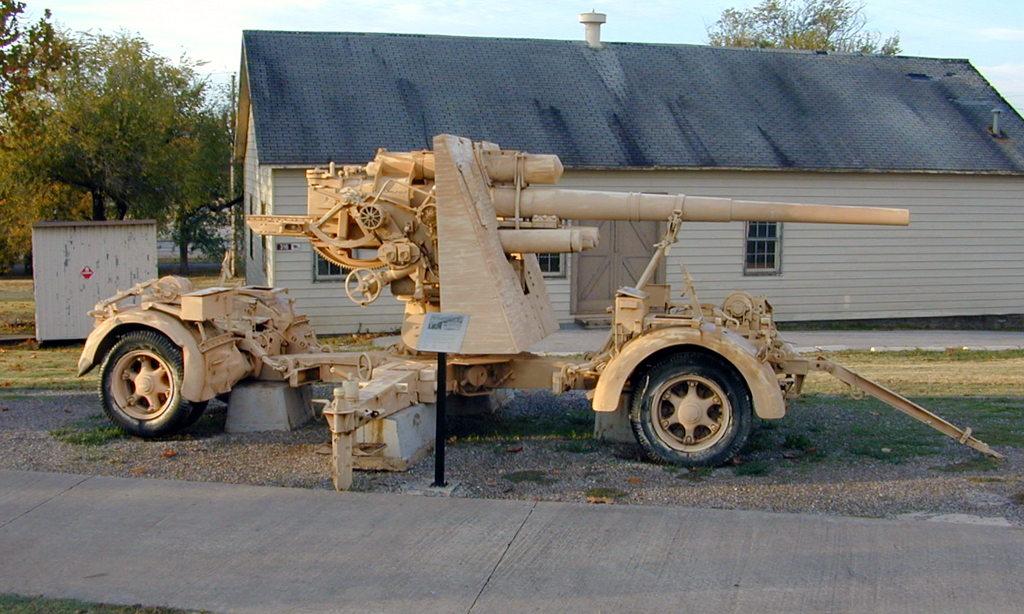 German 50 Mm Anti Tank Gun: WW2 German Krupp Flak 36 88mm Anti-aircraft Gun
