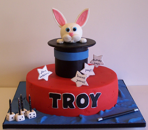 Magician S Hat Cake Troy S Mom Ordered This Cake To