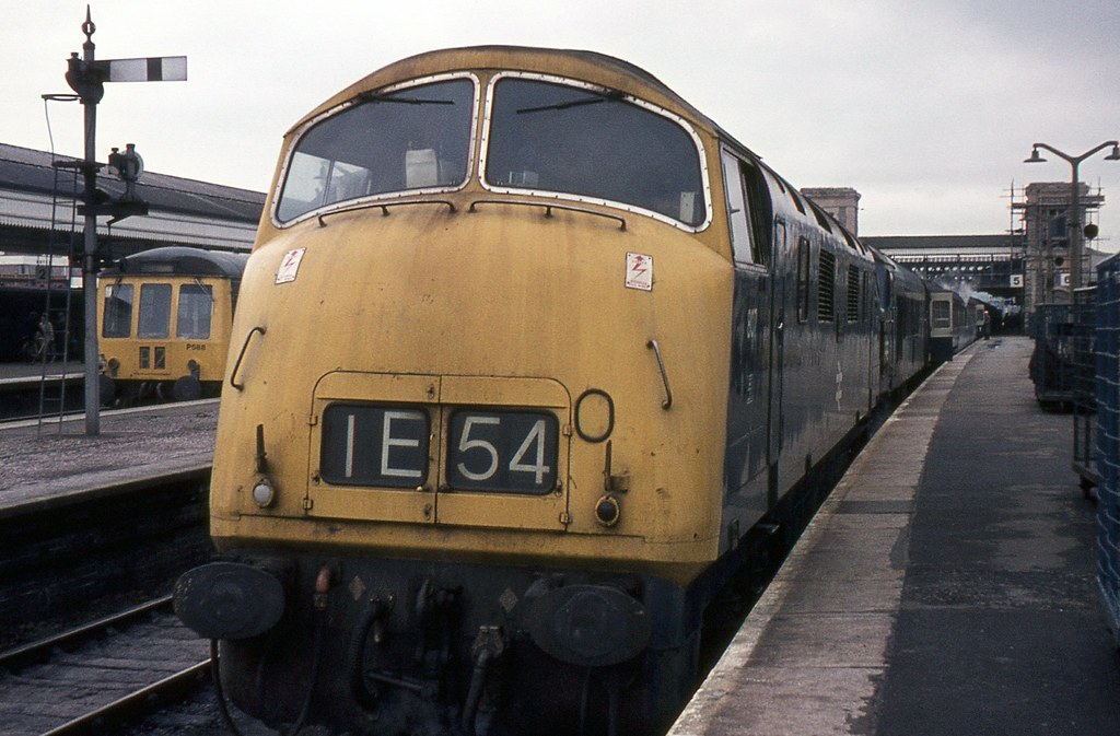 Br Class 42 No 807 Exeter St Davids By 1972 The Few Rem Flickr