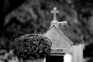 Grave in Menton, France 4/11 2010. | by photoola