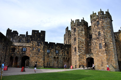 Classes at Alnwick Castle | by lellobot