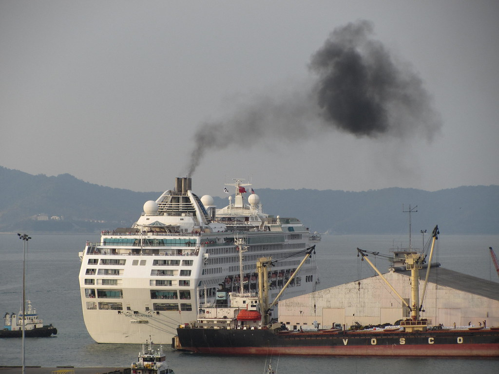 Thick Black Smoke From The Sun Princess Later In The Eveni Flickr - Is there smoking on cruise ships