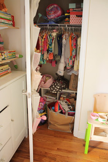 closet before | by www.lesleywgraham.com
