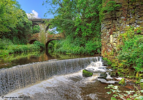 Torrs Riverside Park, New Mills, Derbyshire | by guavaphotos.com
