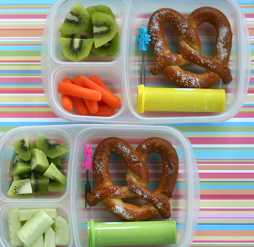 twin pretzel lunches in EasyLunchboxes | by anotherlunch.com