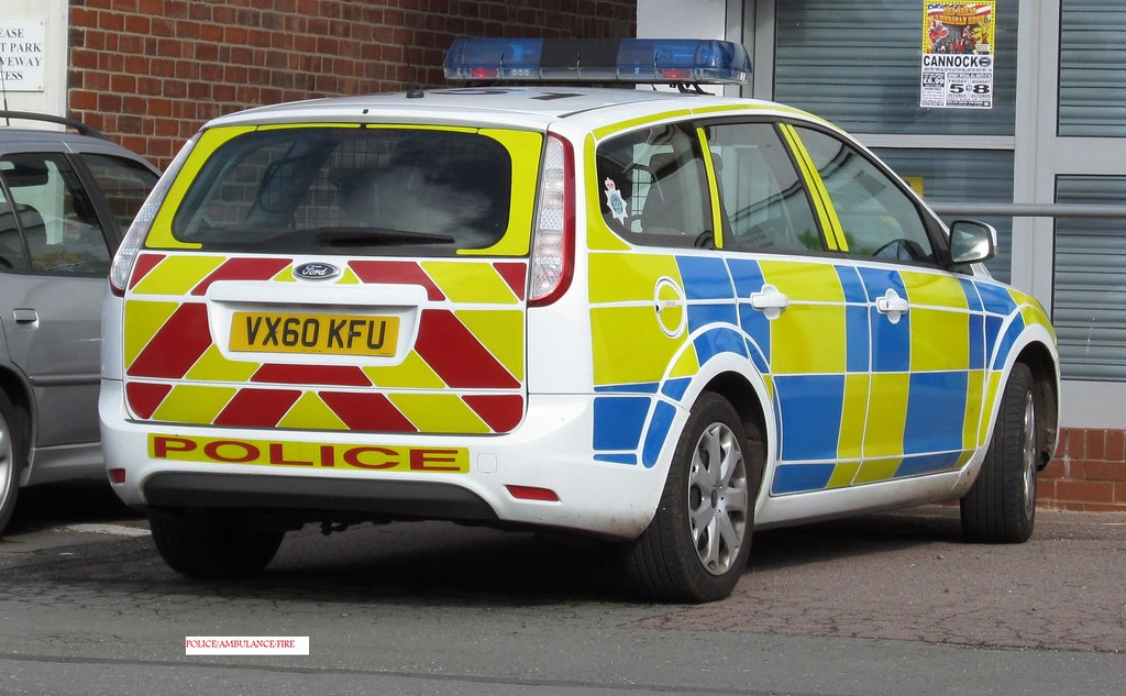 Staffordshire Police Ford Focus Estate Incident Response