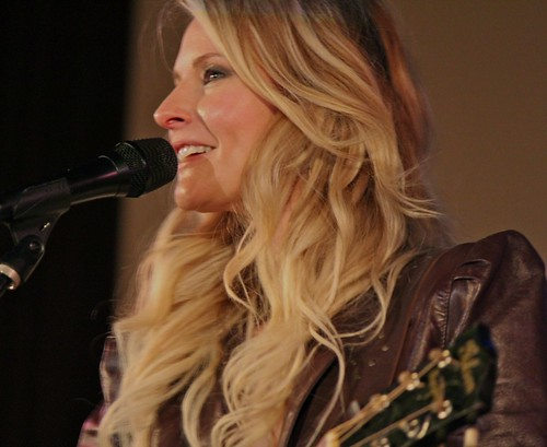 Elizabeth Cook smile close-up | by Michael Bialas