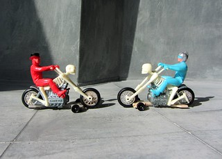 Hot Wheels RRRumblers Plastic And Die-Cast Skeleton Bone Shaker Motorcycle With A Plastic Sky Blue Rider And Silver Helmet Plus Plastic Red Rider With Black Top Hat By Mattel Inc Hawthorne California Made In Hong Kong 1972 - 17 Of 21 | by Kelvin64