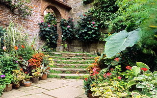 Great Dixter Gardens, Sussex, England (12 of 23) | A vibrant, dynamic and inspirational garden | by ukgardenphotos
