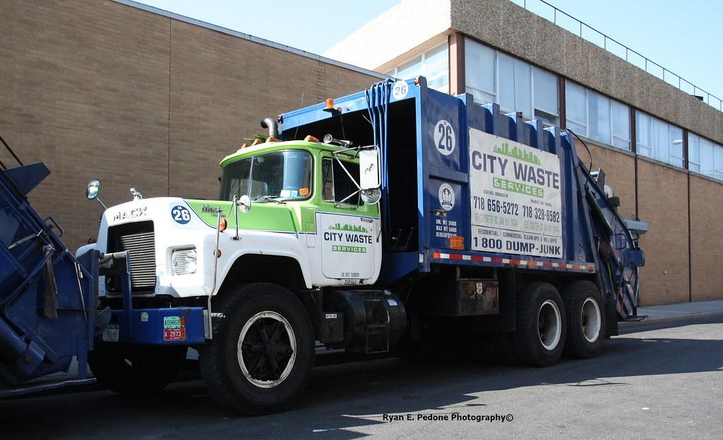La City Trash Pickup Holidays