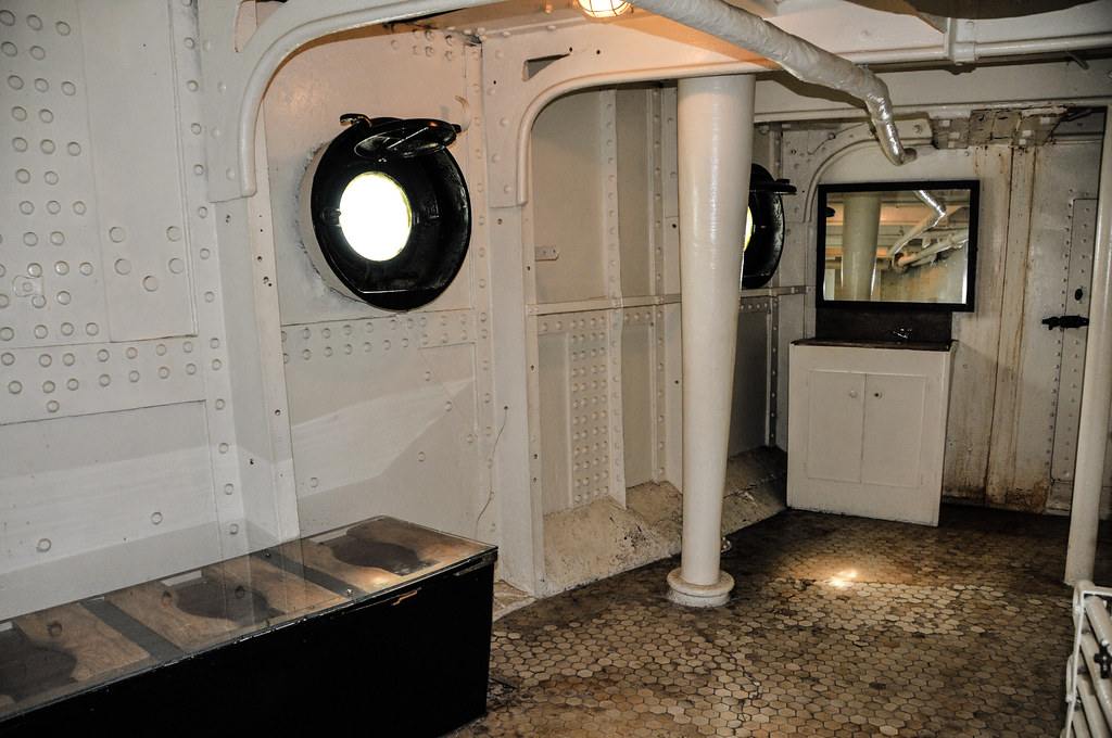 Enlisted Bathroom Uss Olympia C 6 Us Navy Cruiser At The