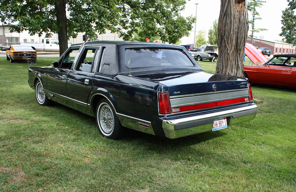 1989 Lincoln Town Car >> 1989 Lincoln Town Car originally owned by Chuck Berry (5 o ...