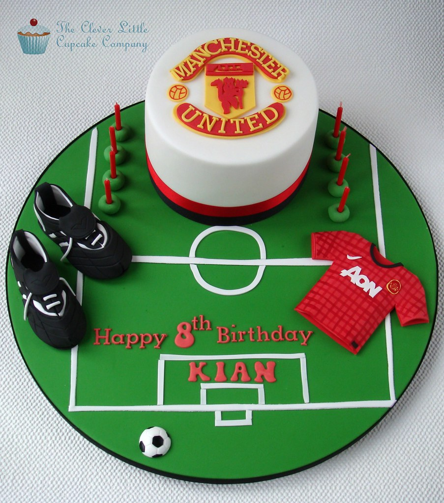 Manchester United Cake Vanilla Sponge With Football