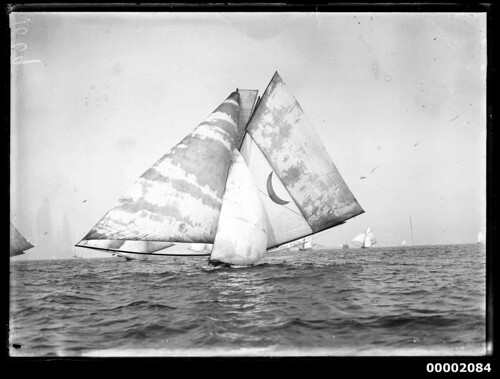 18 footer, possible KERIKI, under sail on Sydney Harbour | by Australian National Maritime Museum on The Commons