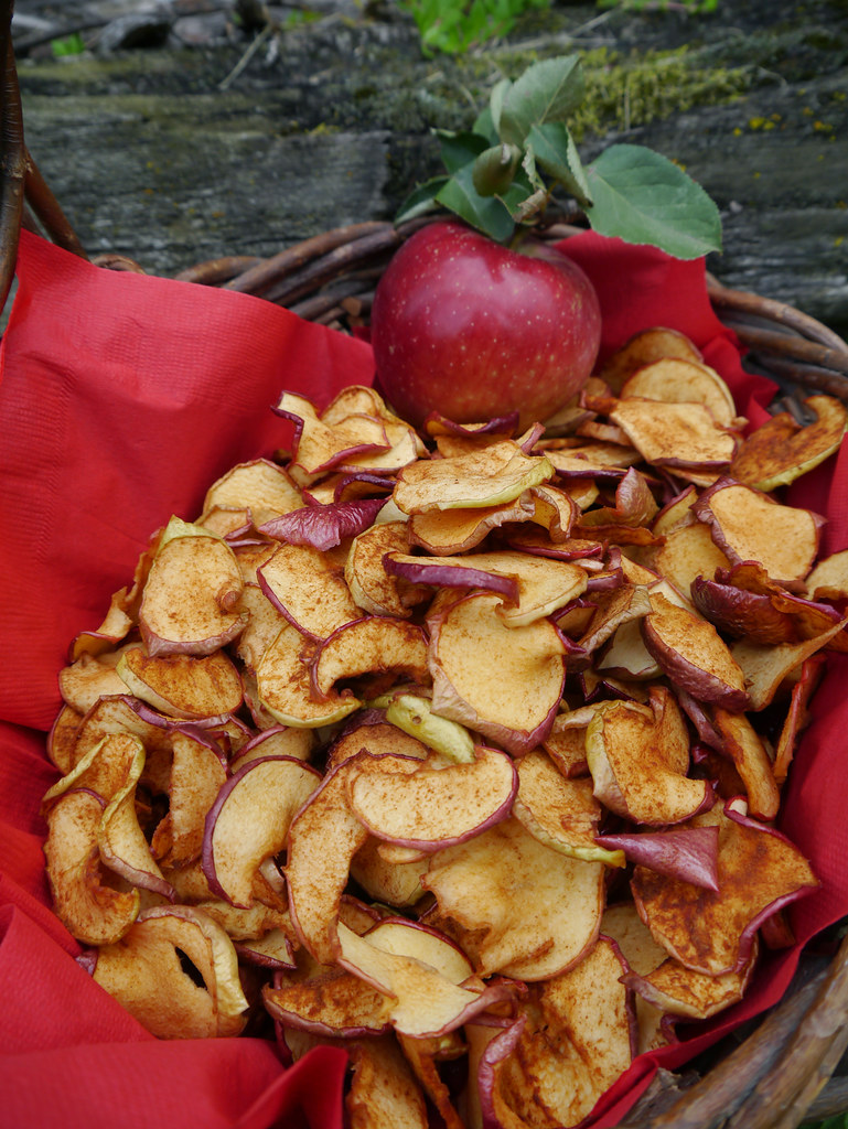 Dried Apple And Cinnaon Cake