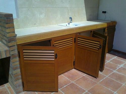 Mueble para terraza de aluminio imitaci n madera mueble for Cristaleria benissa