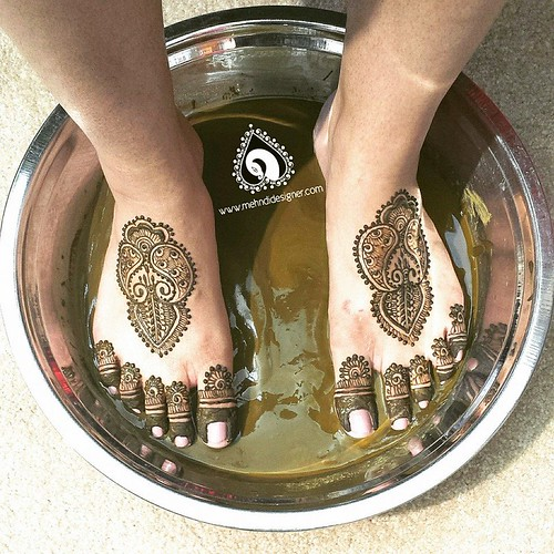 New Mehandi Designs for Legs and Feet