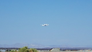 Next to the run way watching Endeavour flying into Edwards AFB/NASA Dryden 9/20/12 | by ButtercupD2012