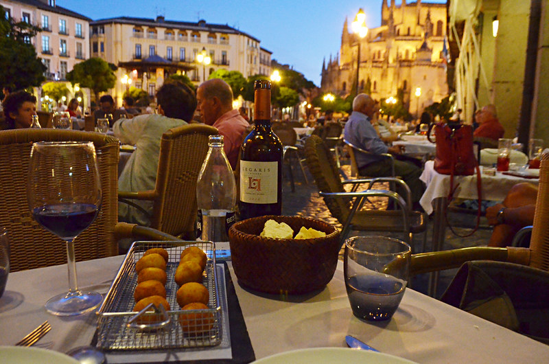 Tapas dinner on Plaza Mayor, Segovia